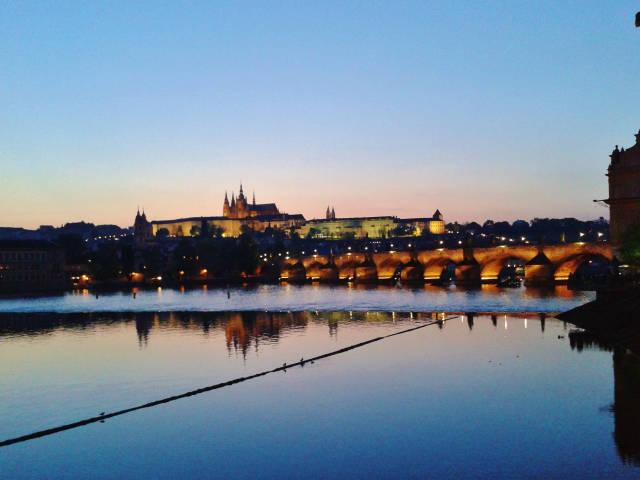 Karlův most s Pražským hradem